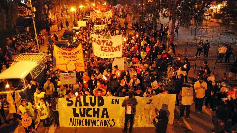 NEUQUEN AL BORDE DEL COLAPSO INSTITUCIONAL, PROPONE 53% DE AUMENTO A ESTATALES.